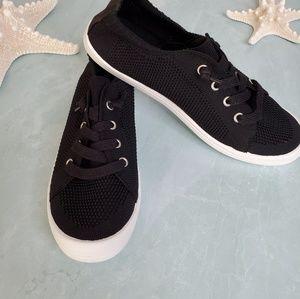 NEW Soda Zubin Black Lace Up Sneaker